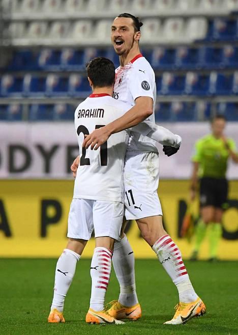 Espanjalaisnuorukainen Brahim Diaz pääsi Ibrahimovicin isälliseen syleilyyn.