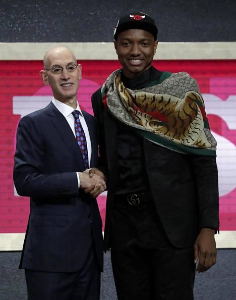 Bulls varasi Wendell Carter juniorin seitsemäntenä.
