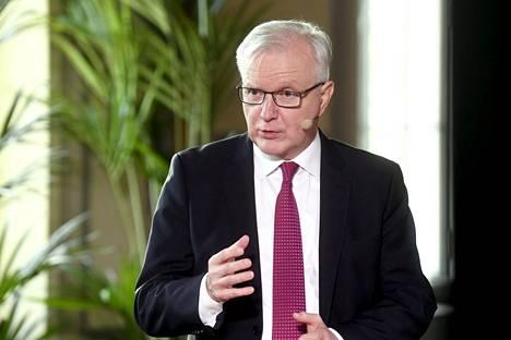 Olli Rehn on ollut jo muutaman vuoden sivussa päivänpolitiikasta. Rehn kuvattiin Suomen Pankin tilaisuudessa maaliskuussa.