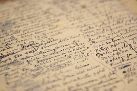 Kirjeet harvenivat Stalinin vainojen yltyessä.