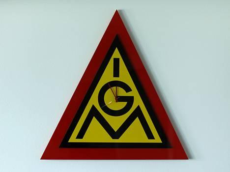 Kello IG Metall -logolla.
