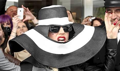 Onhan tuokin käsitys hatusta, Lady Gaga!