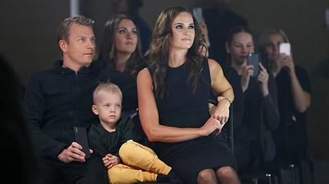 Kimi ja Minttu Räikkösellä on kaksi lasta. Poika Robin on viime aikoina innostunut kartingista.