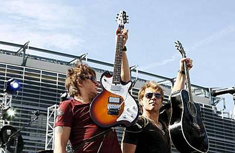 Richie Sambora ja Jon Bon Jovi lähtevät jälleen kiertämään maailmaa.