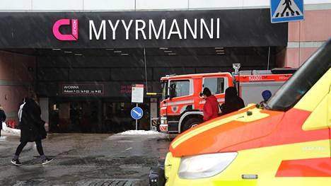 Satakunta asiakasta evakuoitiin Myyrmannin kauppakeskuksesta lauantaina.