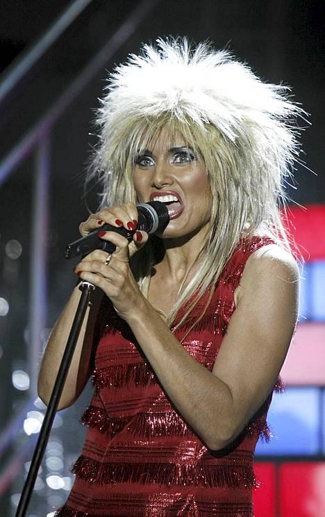 Marika Krook esittää keväällä ensi-iltansa saavassa Musiikkiteatteri Palatsin Simply The Best -rockmusikaalissa Tina Turneria.