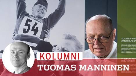 Veikko Kankkonen poseerasi Innsbruckin 1964 voittokuvan vierellä Hiihtomuseon Tunteiden ilmalentoa -näyttelyssä Lahden urheilukeskuksessa joulukuussa.