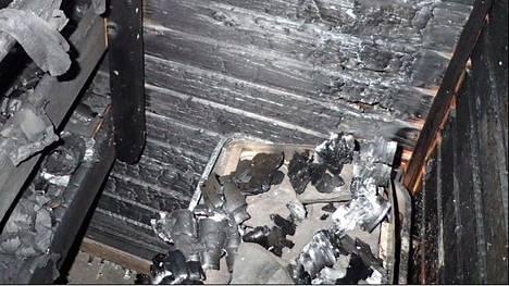 Kiukaasta lähtenyt tulipalo teki laajaa tuhoa.
