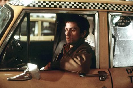 Robert De Niron kuuluisimpia rooleja on Travis Bicklen osa Taksikuskissa (1976).