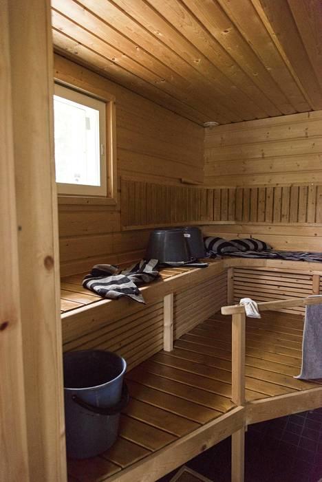 Tältä sauna näytti ennen remonttia.