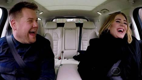 James Cordenin ja laulaja Adelen Carpool Karaoke -pätkä on kerännyt netissä yli 165 miljoonaa katselua. Nyt Carpool Karaoke on laajentunut omaksi tv-sarjakseen.