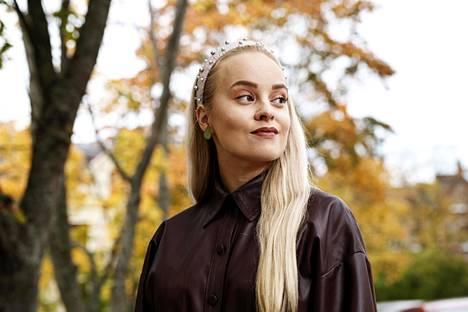 Miisa Rotola-Pukkila uskoo menestyneensä tubettajana muun muassa säännöllisen julkaisutahdin ansiosta.