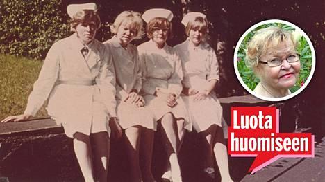 Laakson sairaalan osasto 8 henkilökuntaa 1960-luvun lopussa. Lea Hautaviita (tuoreessa kuvassa) istuu vanhassa kuvassa toisena vasemmalta.