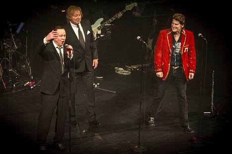 Tapani Kansa, Danny ja Frederik mahtuivat kaikki sulassa sovussa samalle lavalle riidoista huolimatta.