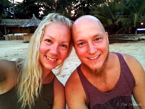 Johanna ja Jarkko tapasivat toisensa neljä vuotta sitten Budapestissä, tietysti kaupungin halvimmassa hostellissa. Sen jälkeen he ovat matkustaneet yhdessä yli 20 eri maassa.