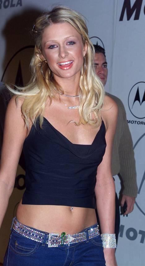 Paris Hilton niukassa biletopissa.