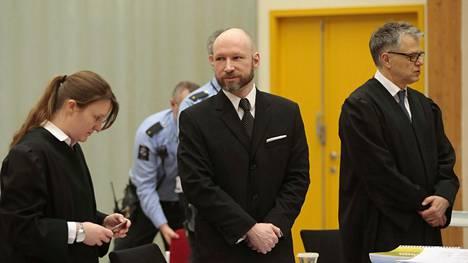 Anders Behring Breivik oikeudenkäynnissä 11. tammikuuta.