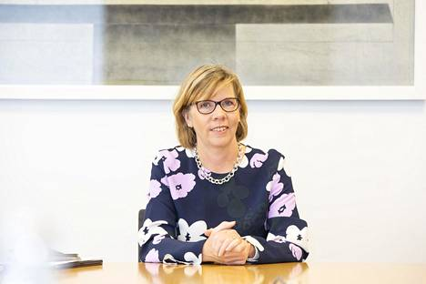 Anna-Maja Henriksson ei olisi oikeusministerinä halunnut koskaan joutua tilanteeseen, jossa ihmisten perusoikeuksia joudutaan rajoittamaan.