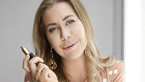 Alexa Dagmar on suosittu muotibloggaaja.