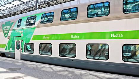 Juna saapuu Rovaniemelle vajaa pari tuntia myöhässä.