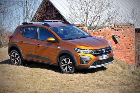 Dacia on suomalaisten mielestä edullinen, mikä käy ilmi jo pelkästään hinnastoja tutkimalla,