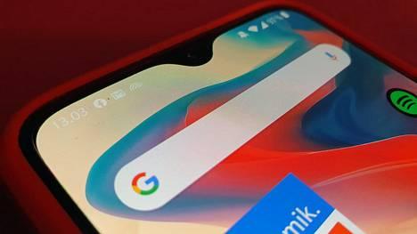 Kun hakukoneen vaihtaa Googlen pian esittämästä valintaruudusta käsin, valinta muuttaa sen Chromeen sekä kuvassa näkyvän kaltaiseen Android-puhelimen hakukoneruutuun.