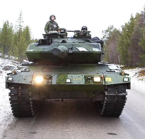 Leopard 2A6-panssarivaunu osallistui harjoituksiin.