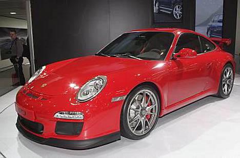 Thierry Henry ja Robbie Keane on nähty Porsche 911:n ratissa.