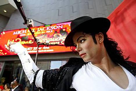 Uuden vahanuken saaneelta Michael Jacksonilta säilyi spermaa.