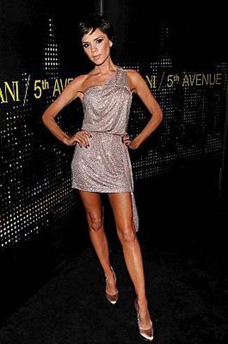 Victoria Beckham on laihduttanut itsensä olemattomiin.
