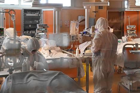 Potilaita hoidettiin Casal Paloccon sairaalassa Rooman lähellä tiistaina.