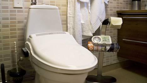 Nykyään voi asuntoonsa hankkia wc-pöntön, jossa on pesu- ja kuivausominaisuus.