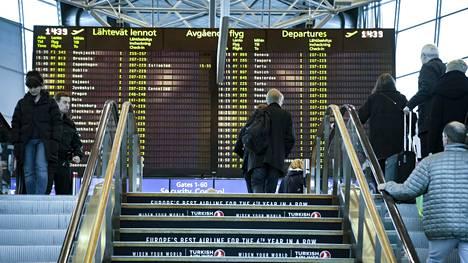 Finnairin tiedossa on, että ihmiset matkustavat toisten nimissä olevilla lentolipuilla. Sitä, kuinka yleistä se on, ei lentoyhtiöstä kommentoitu.