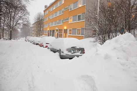 Helsinkiläisillä autoilijoilla oli vaikeuksia.