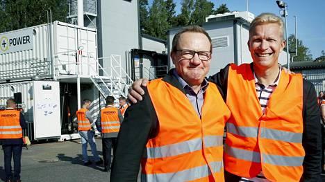 Q Power ja St1 testaavat uusia menetelmiä biopolttoaineiden kehittämiseen. Q Powerin hallitusta johtava Ilkka Herlin (vas.) sekä St1:n toimitusjohtaja Mika Anttonen vaativat hallitukselta voimakkaampia toimia ympäristön suojeluun.