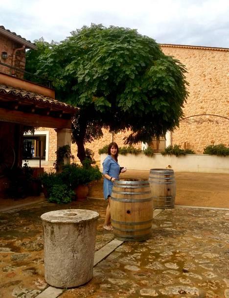 Espanjaan muuttaminen tarkoitti Anniinalle uusien elämäntapojen oppimista.