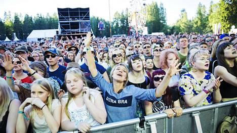 Festarikansaa vuoden 2017 Provinssirockissa Ultra Bran keikalla.