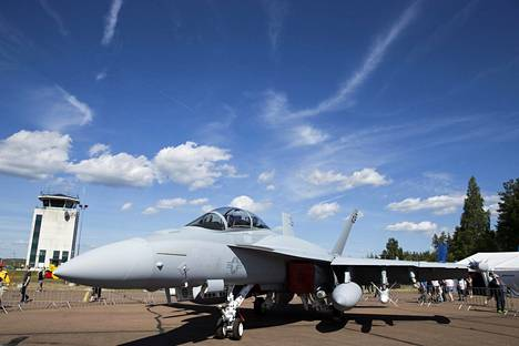 Super Hornetista oli Tikkakoskelle lennätetty elektroniseen sodankäyntiin suunniteltu EA-18G Growler -versio.