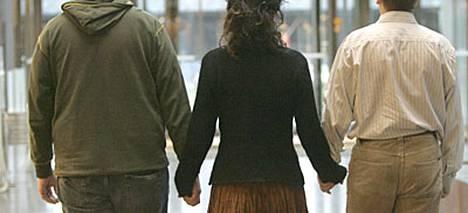 Tutkimuksen mukaan 46 prosenttia suomalaisista ei anna pettämistä anteeksi.