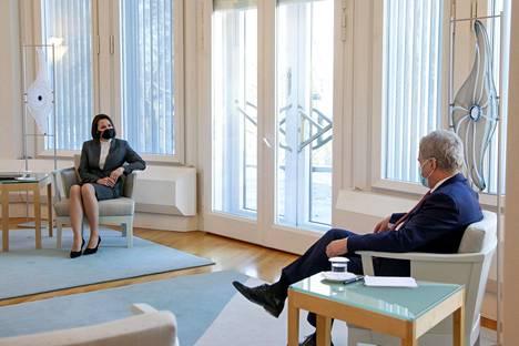 Svjatlana Tsihanouskaja tapasi tasavallan presidentti Sauli Niinistön tiistaina eli juuri samana päivänä, kun tieto uudesta etsintäkuulutuksesta ja ulkomaille esitettävästä luovutuspyynnöstä tuli Valko-Venäjän tutkintakomitean sivuille.