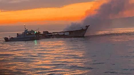 Sukelluslaiva Conceptionin palanut runko 2. päivä syyskuuta.