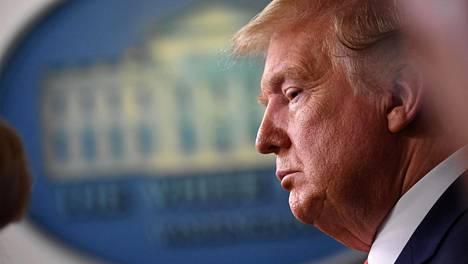 Yhdysvaltain entinen presidentti Donald Trump yritti haastaa osavaltioiden vaalituloksia nostamalla lukuisia oikeuskanteita.