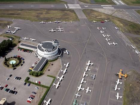 Turmakone lähti tältä Helsingin Malmin lentokentältä.