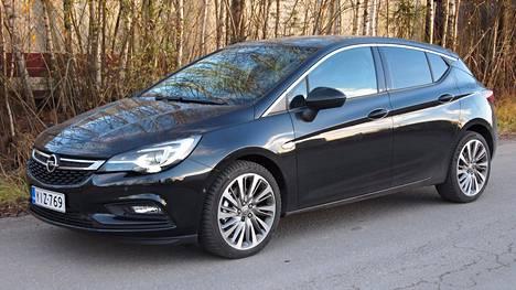Uusi Opel Astra on Vuoden Auto Suomessa 2016.