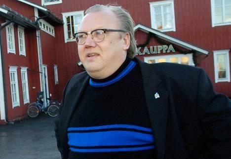 Harjun yhtiökumppani oli alkuaikoina Kai Pöntinen, joka jätti radiobisneksen 10 vuotta sitten.