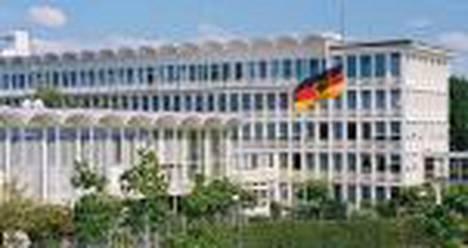 Saksan rikospoliisi BKA on huolissaan rikollisten etäohjaamista tietokoneista ja surffaajien digitaalisen identiteetin anastuksista