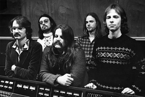 Wigwam studiossa vuonna 1977. Vasemmalta Måns Groundstroem, Jim Pembroke, Pedro Hietanen, Rekku Rechard ja Ronnie Österberg.