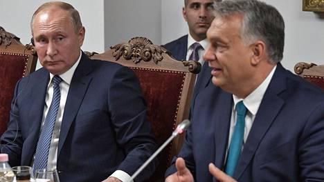 Putin (vas.) ja Orban tapasivat Budapestissa.