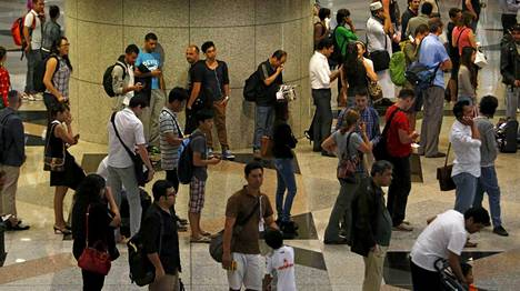 Kadonnut lentokone nousi ilmaan Kuala Lumpurin lentokentältä (kuvassa).