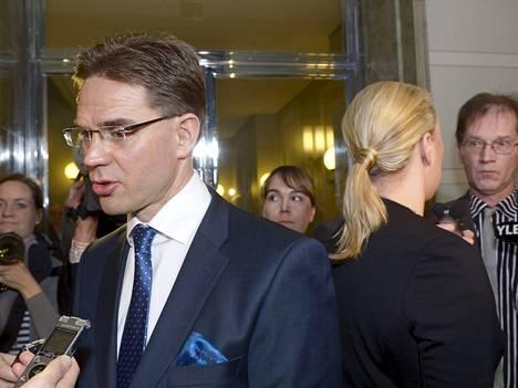 Pääministeri Jyrki Katainen (kok.) ja valtiovarainministeri Jutta Urpilainen (sd.) eduskunnassa tänään.